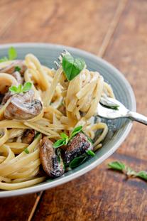 Spaghettini with Garlic, Mushrooms and Pancetta