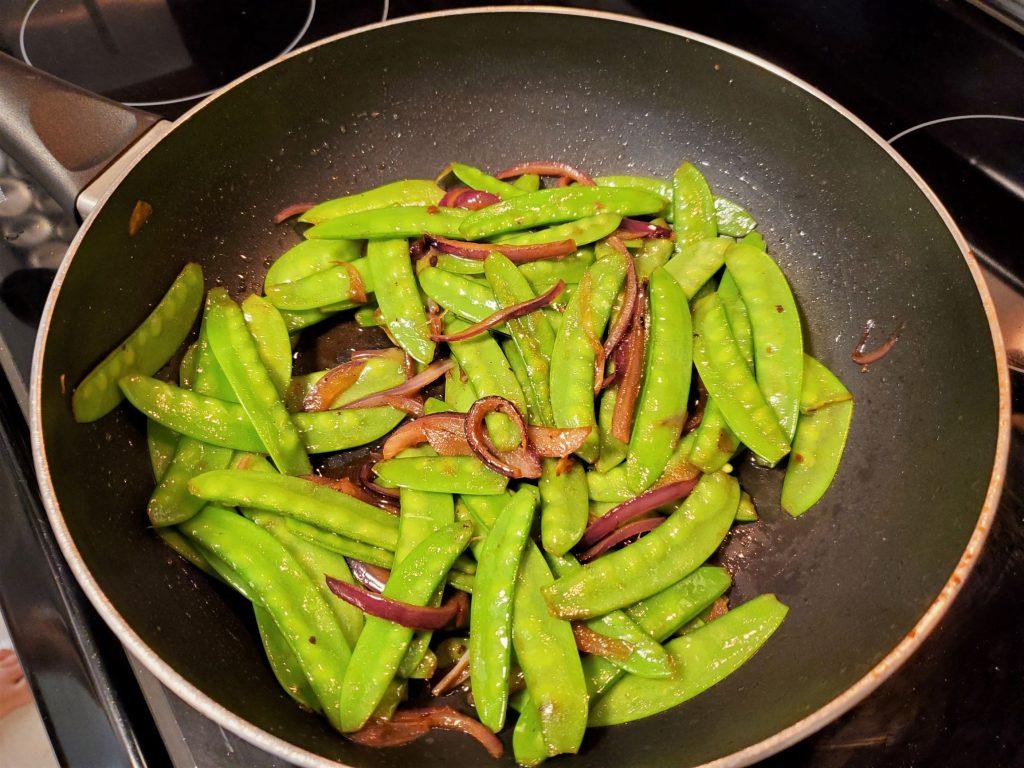 Easy, Tasty Stir-Fry Snow Peas
