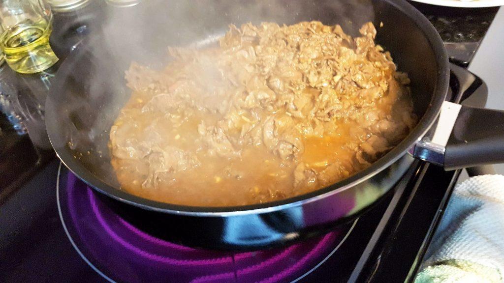 Stir-Fry the Beef with Bulgogi Sauce